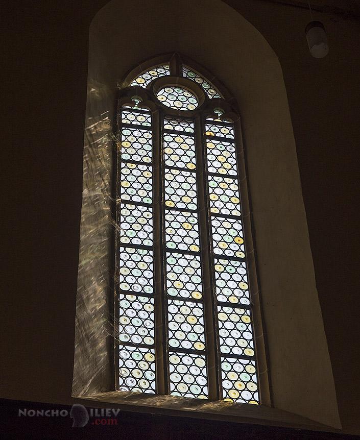 Mosna укрепена църква