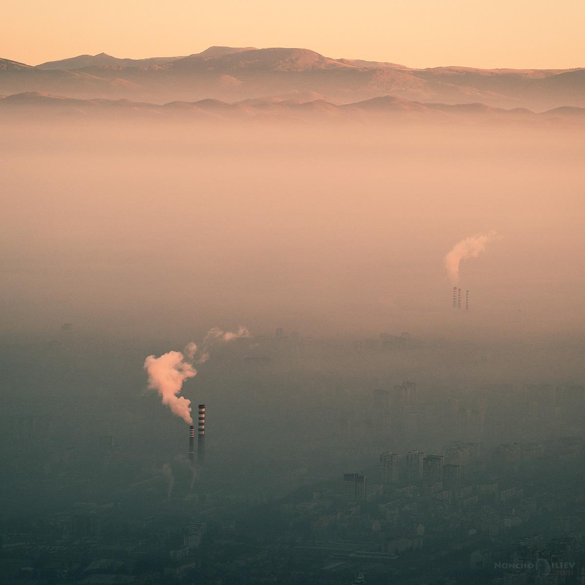 изгрев над София комини мъгла Копитото