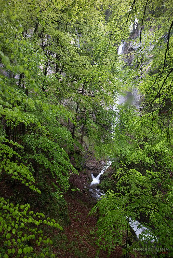 водопад гора пролет