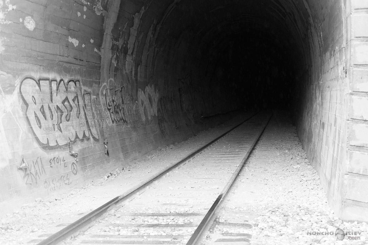 изоставен тунел платамонас