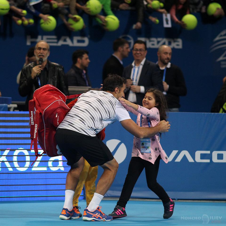 Зимонич празнува с децата си